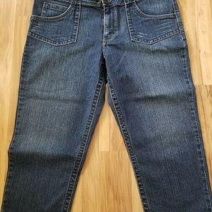 Calvin Klein Jeans Jeans - 🌸NWT.. Calvin Klein Cropped Jean🌸